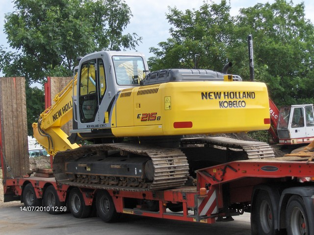 New Holland E 215BLC